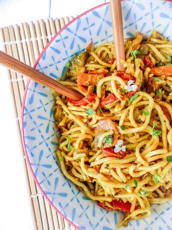 Nouilles chinoises aux légumes accueil