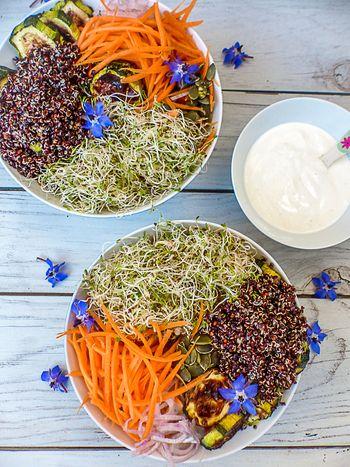 Buddha bowl au quinoa noir
